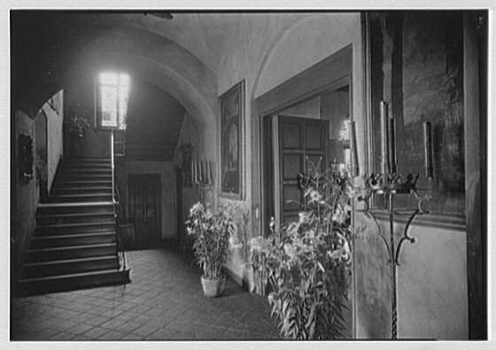 H.H. Rogers, residence in South Hampton [i.e., Southampton]. Stairway to second floor