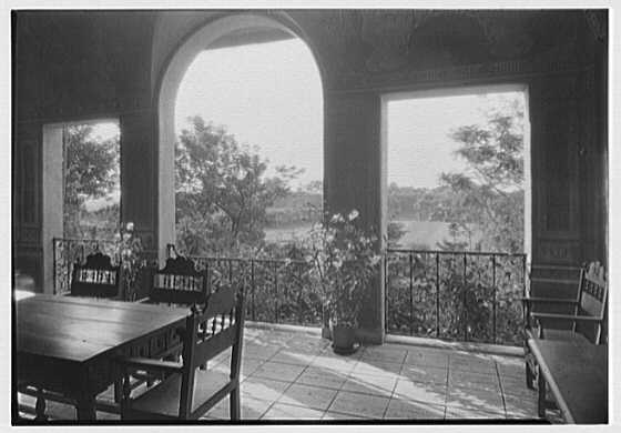 H.H. Rogers, residence in South Hampton [i.e., Southampton]. Vista through breakfast porch
