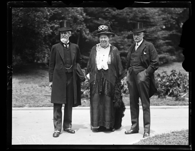 Lord and Lady Aberdeen. Sir Esme Howard, (right) at the White House where they paid their respects to President Coolidge. Lord and Lady Aberdeen attended the International Council of Women in Washington