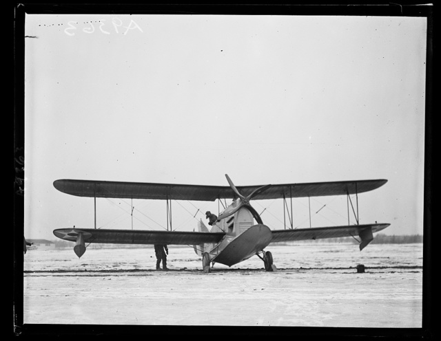 The new amphibian airplane, that is a [...] water and land was inspected by a Congressional com[...] Bolling Field, Monday, January 19. The machine was [...] Grover Loenig, of New York. Left [...]