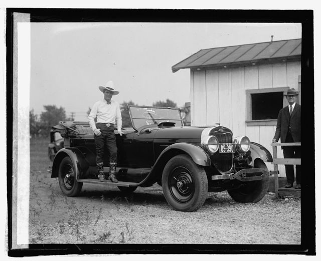 Tom Mix with Lincoln car, [5/21/25]