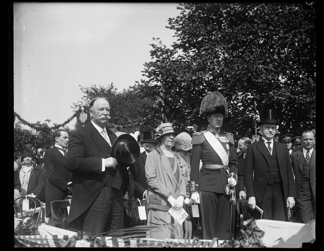 [Ceremony with W.H. Taft, left, and Calvin Coolidge, right]