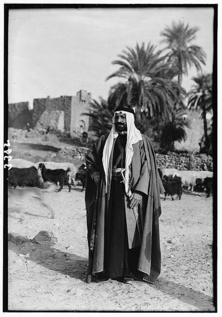 El-Azrak & Wadi Sirhan in the Arabian Desert. Druse political refugees from Jebel Druse (the Hauran). A Druse chief at El-Azrak. Typical Bedouin garb