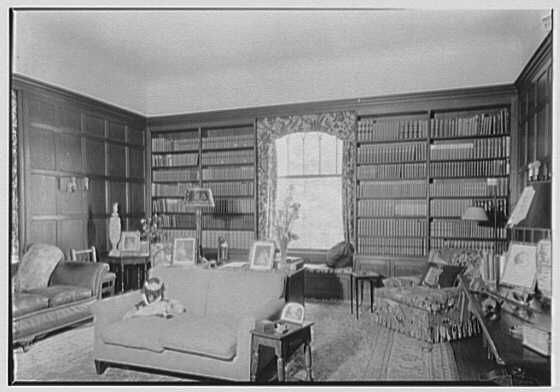 George St. George, residence in Tuxedo Park, New York. Library, bookcases