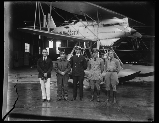 "[Group at amphibian aircraft [...] ""Anacostia""]"