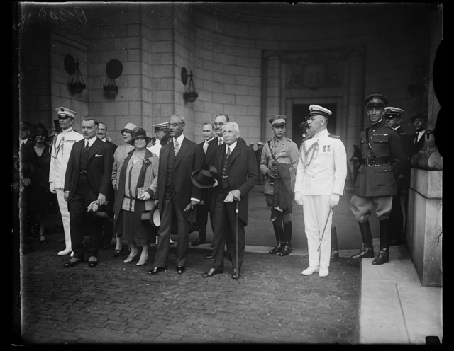 President of Haiti arrives in Washington. The Secretary of State, Frank B. Kellogg, and other high officiai of the government greeted the President of Haiti, Louis Borno, upon his arrival in the NatiNational Capital, June, 14th. In the photograph, left to right: Col. Sherwood A Cheney, Military Aide to President Coolidge; J. Butler Wright, Assistant Secretary of State; Mrs. Louis Borno; President Borno and Secretary of State, Frank B. Kellogg