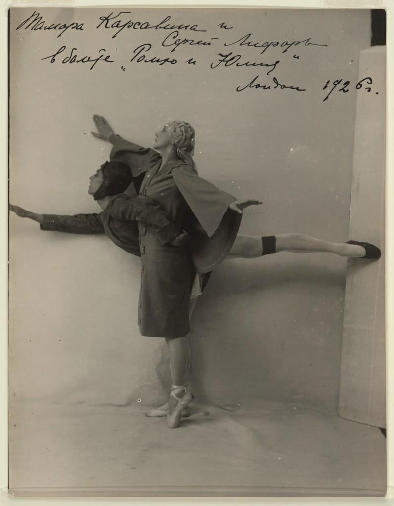 Photograph of Tamara Karsavina and Serge Lifar in Romeo and Juliet, London, 1926