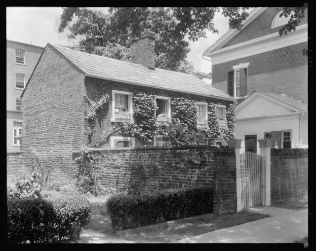 Dabney Herndon house and quarters, George Street, Fredericksburg, Virginia