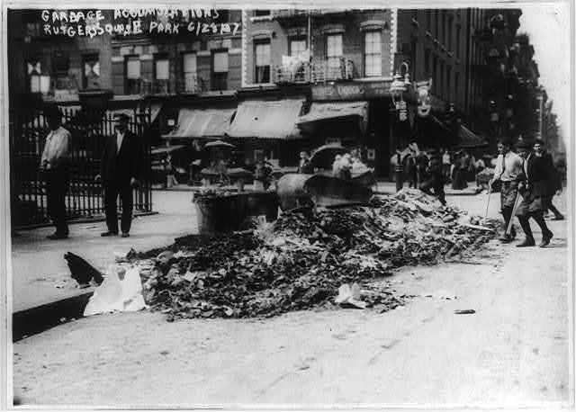 Garbage accumulations, Rutgers Square Park