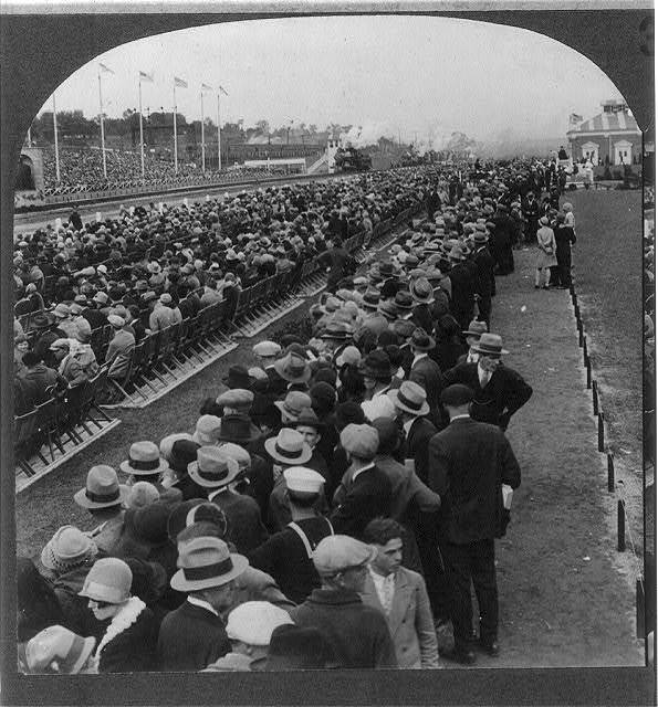 Spectators lined both sides of pageant route, Baltimore and Ohio Centenary