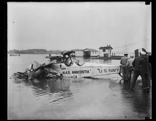 The wreck of the [Dellavilaud?] plane that crashed in the Potomac river near the Naval Air Station, Anacostia, D.C. Chief Petty Officer F.H. Bushing and A.V. Cobb, aviation machinist mate, who were flying the plane were rescued. They were uninjured