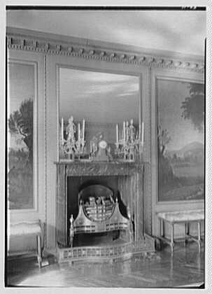 Frederick B. Patterson, residence, Far Hills, Oakwood, Dayton, Ohio. Fireplace detail, dining room