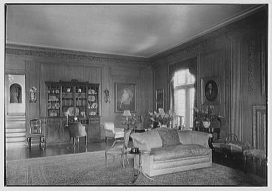 Frederick B. Patterson, residence, Far Hills, Oakwood, Dayton, Ohio. Secretary, end of living room