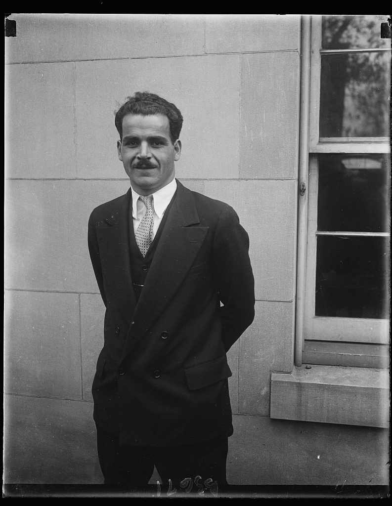 Foreman of Jury that convicted Albert B. Fall of bribery. Thomas E. Horris, 28-year-old bank teller, was foreman of the jury in District Supreme court that brought in the verdict of guilty against Albert B. Fall for acceepting a bribe of $100,000 from E.L. Dohency