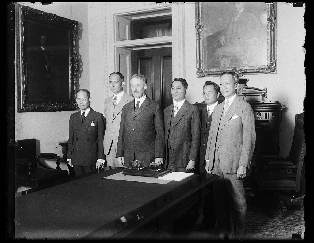 [Henry L. Stimson with] Philippine Delegation