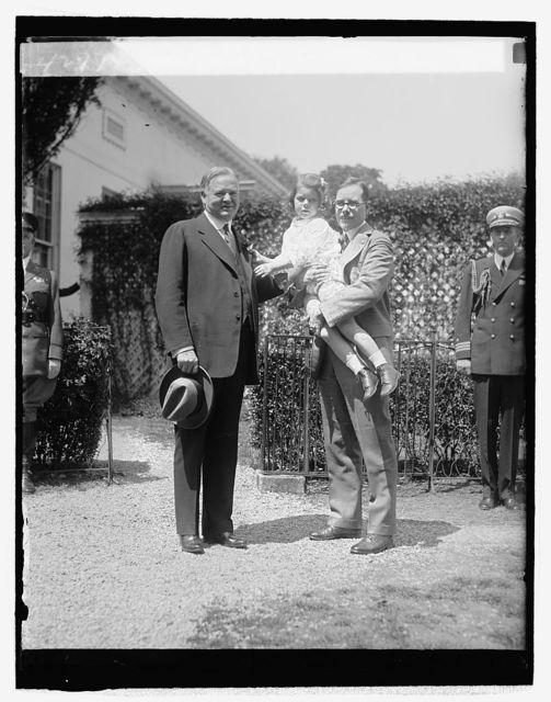 Hoover receiving Buddy Poppy, [4/24/29]