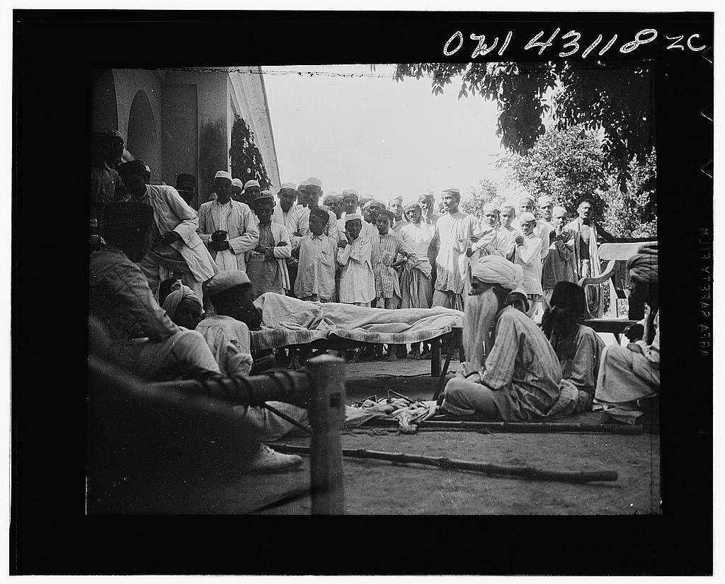 League of Nations Malaria Investigation Committee, United Provinces, India. Anti-malaria educational play put on by youngsters dealing with the treatment of the disease, the use of quinine