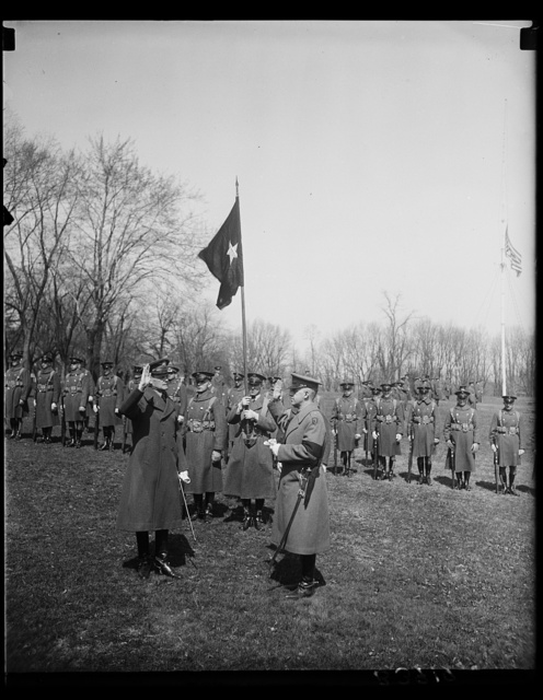 New Chief of the United States Cavalry sworn in. Major General Guy V. Henry, the new Chief of the United States Cavalry, left, being sworn in today on the grounds at Fort Meyer, VA., by Major S.V. Constant, Adjutant of Fort Meyer. Gen. Henry succeeds Gen. Herbert B.Crosby who will take up his duties as District Commissioner, having been appointed by President Hoover