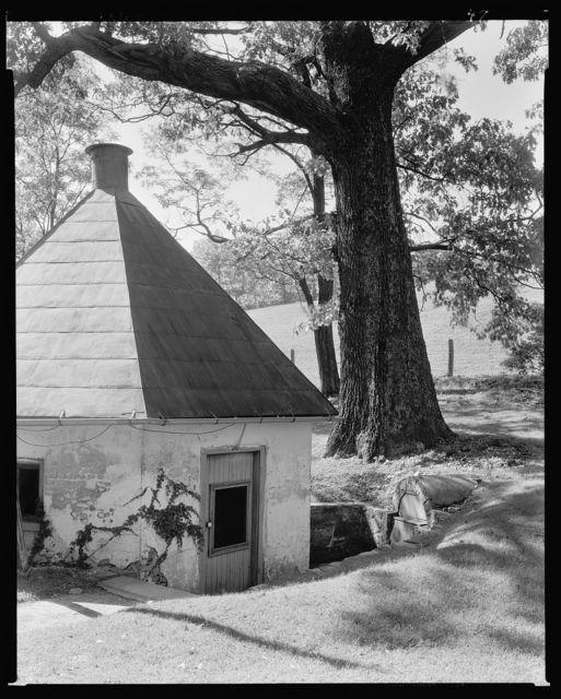 Rockland, outbuilding, Leesburg vic., Loudoun County, Virginia