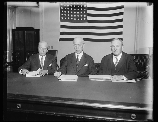 United States Senate begins Navy pobe. These three United States Senators were named a subcommittee by the Senate Naval Affairs Committee to conduct the Senate's inquiry whether American ship-building concerns attempted to break down the tri-power naval disarmament conference at Geneva in 1927. They will also investigate the propaganda activities of William B. Shearer against naval reduction. In the photograph. left to right: Senator Samuel M. Shortridge of California; and Senator Joseph T. Robinson of Arkansas