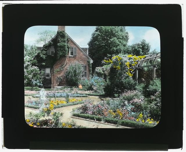"""[""""York Hall,""""  Captain  George Preston Blow house, Route 1005 and Main Street, Yorktown, Virginia. Guest house in Memory Garden]"""