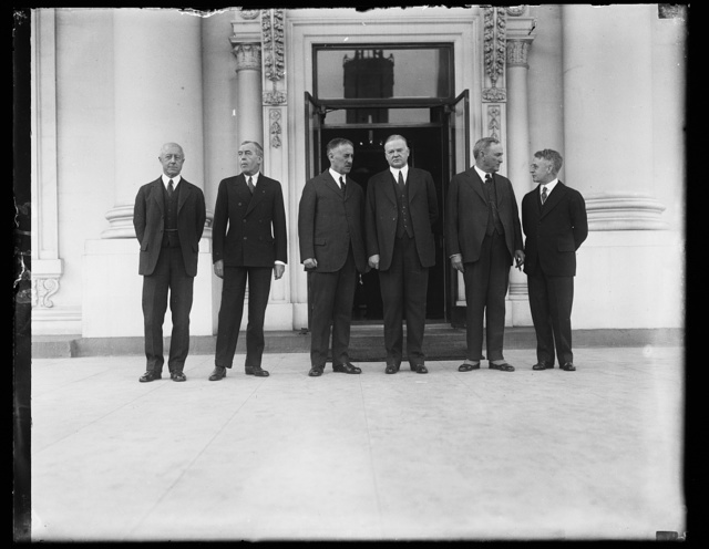 Pres. Hoover and American delegates to London Naval Conference, 1/7/30 [White House, Washington, D.C.]