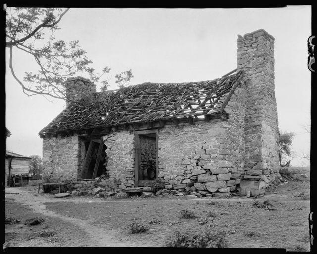 Ruined Slave Quarters, Berryville vic., Clarke County, Virginia