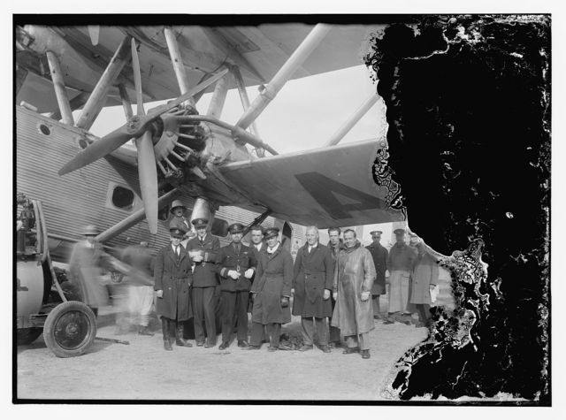 "Aircrafts etc. of the Imperial Airways Ltd., on the Sea of Galilee and at Semakh. Aircraft ""Hanno"" pilots. Officers of the Imperial Airways Ltd. Semakh, Galilee"
