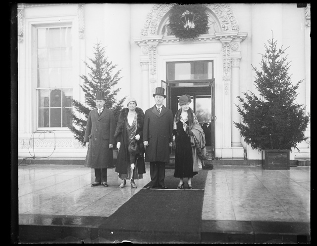 [Henry Stimson, 2nd from right; at White House, Washington, D.C.]
