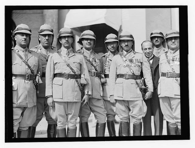 10/6/32 at the palace etc., Baghdad, British officers