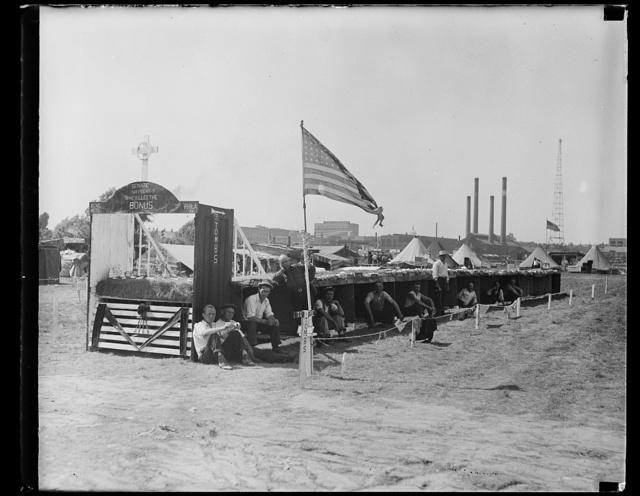 "[Bonus Army camp ""Who killed the bonus."" Anacostia, Washington, D.C.?]"