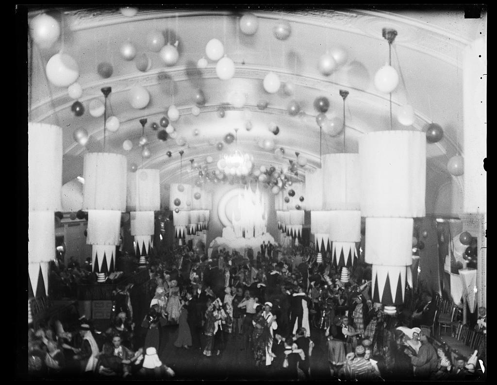 [Dance in the ballroom of the Willard Hotel, 1401-1409 Pennsylvania Avenue, N.W., Washington, D.C.]