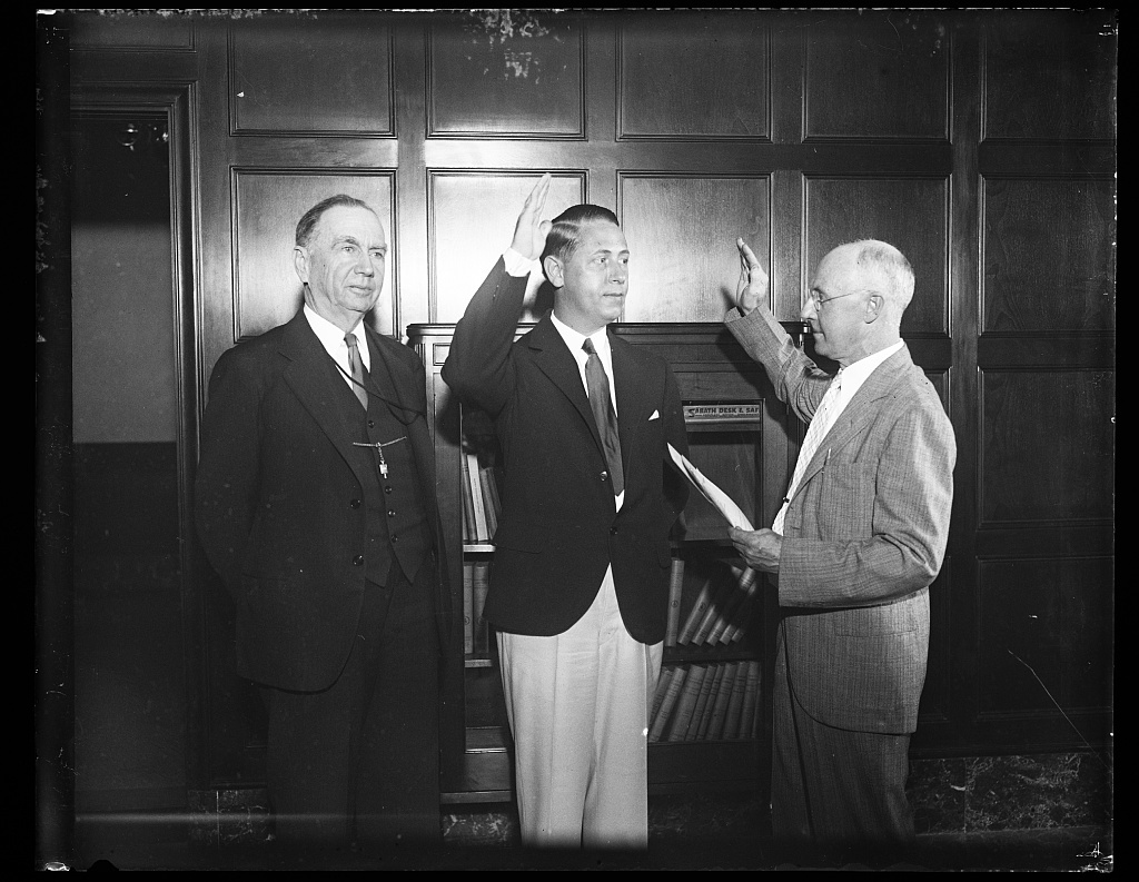 [Daniel C. Roper, left; at swearing-in]