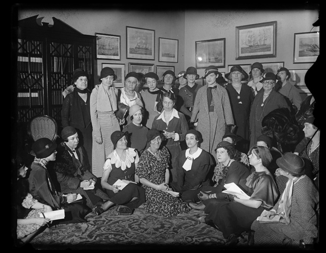 [Eleanor Roosevelt with group of women]
