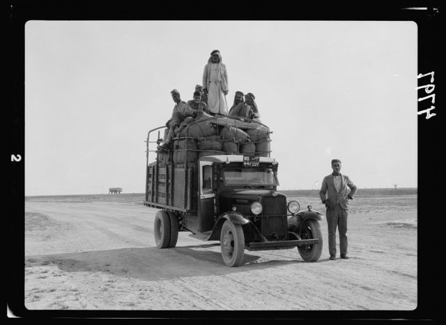 Iraq. Mosul. Lorry on way to Mosul