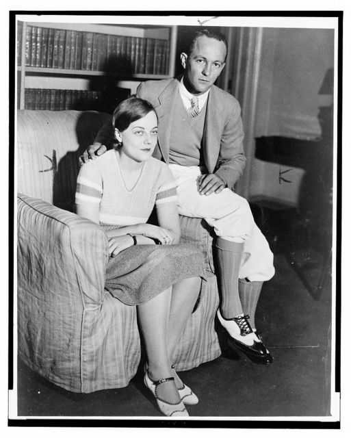 [Lieutenant and Mrs. Thomas H. Massie, full-length portrait, seated, facing front]