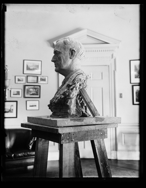 [Sculpture: Bust of Franklin D. Roosevelt]