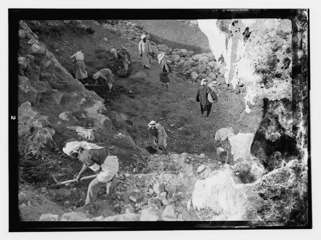 Tel el Nasbeh, taken May 20, 1932, excavation by Dean Bade in 1926.