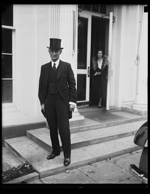 [Visitor at White House, Washington, D.C.]