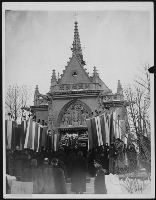 Alva Belmont's coffin being carried into St. Hubert's Chapel at Woodlawn Cemetery, New York, Jan. 1933.