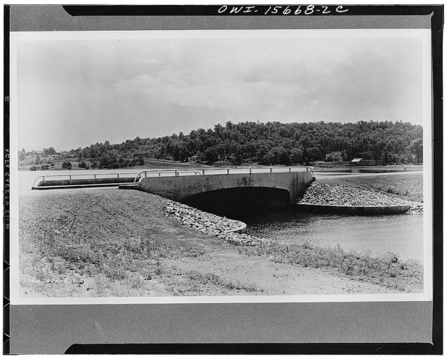 Bridges. Highway bridge near Soddy, Tennessee, where, in cooperation with work relief agencies and the governing body of the county, TVA (Tennessee Valley Authority) developed an arm of Chickamauga Lake for recreational uses