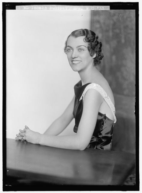BULLOCK, W.C., MRS. PORTRAIT