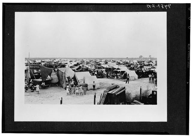Camp site of striking Mexican workers. Corcoran, California