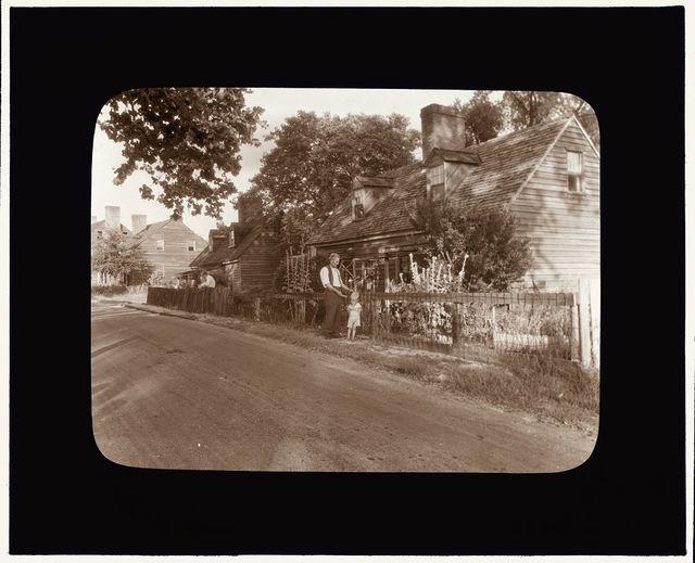 [On Ettricks Island, Petersburg, Dinwiddie County, Virginia. Street]