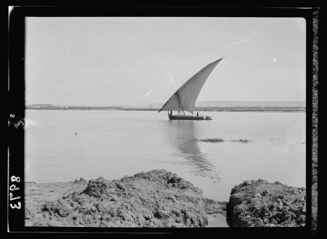 Egypt. River scenes. The Nile. Artistic scenes south of Cairo, with native crops