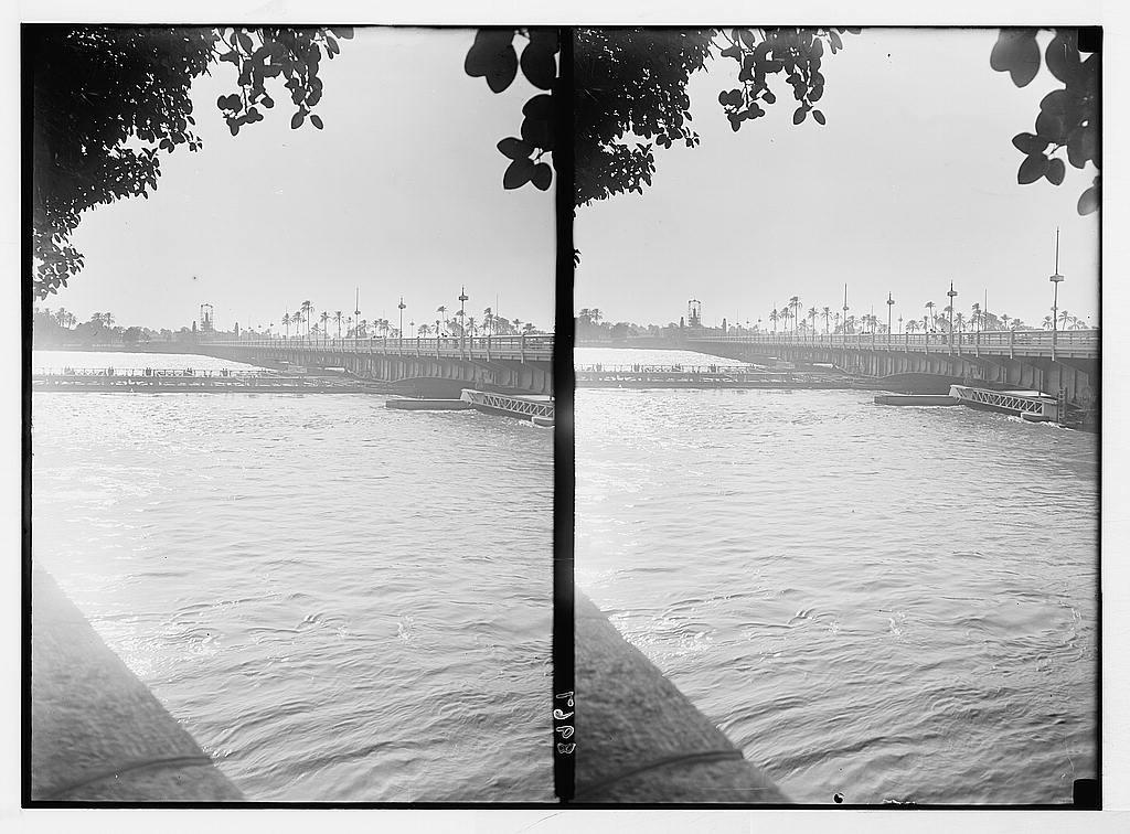 Egypt. River scenes. The Nile. Kasr-en-Nil. Looking along the bridge. Strong reflections on
