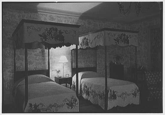 John N. Conyngham, Hayfield Farm, residence in Lehman Township, Pennsylvania. Colonial bedroom, night effect