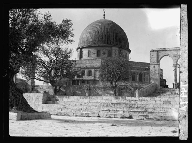 Mosque el-Aksa [i.e., al-Aqsa] & Mosque of Omar [i.e., the Dome of the Rock]