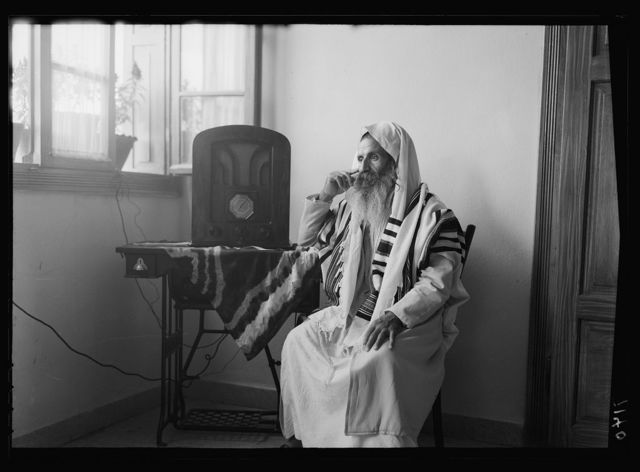Radio 'listening in' by Yemenite rabbi
