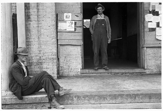 A street scene, Maynardville, Tennessee